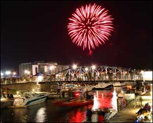 ErieCanalHarbor-fireworks